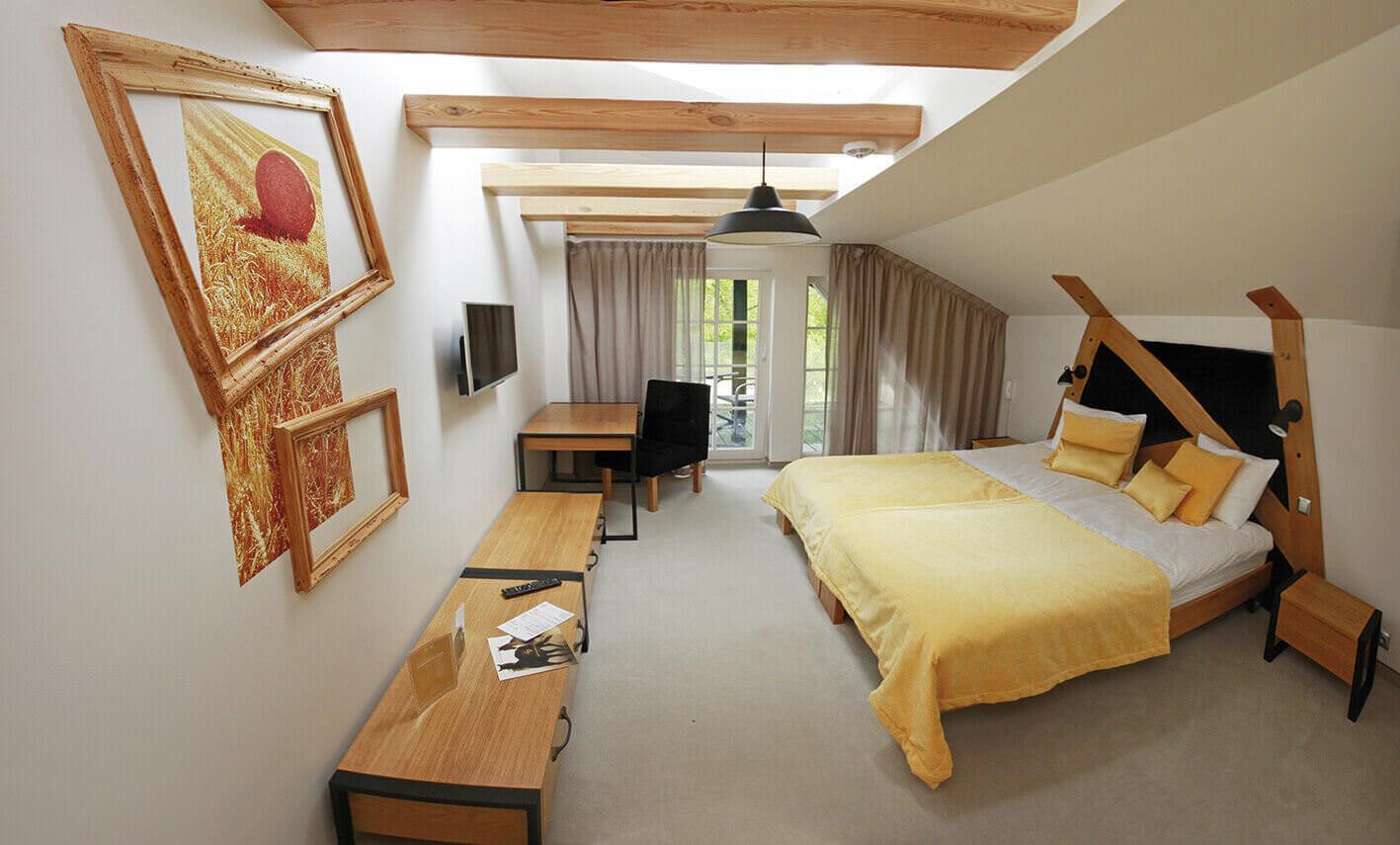 Projekt wnętrza hotelu - pokój hotelowy - Mezowo